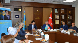 """'Geleceğe Doğru Yol ve Manevi Yenilenme, Kazakistan""""ın Milli Kodu' Programı Türk Dünyası Kültür Mahallesi'nde Gerçekleşti"""