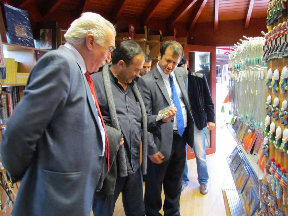 Mr. Aytmatov and Mr. Arslanbek Sultanbekov visited the Topkapı Turkish World Galeri - 11. Resim