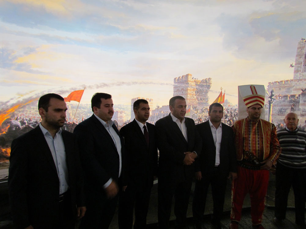 Mr. Aytmatov and Mr. Arslanbek Sultanbekov visited the Topkapı Turkish World Galeri - 42. Resim