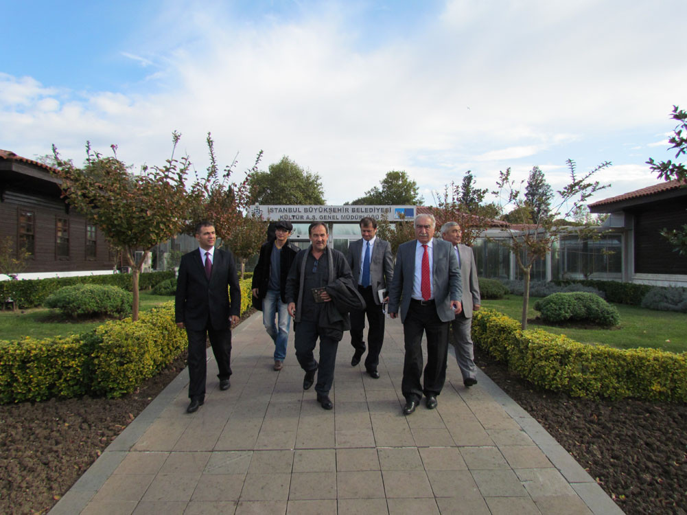Mr. Aytmatov and Mr. Arslanbek Sultanbekov visited the Topkapı Turkish World Galeri - 4. Resim