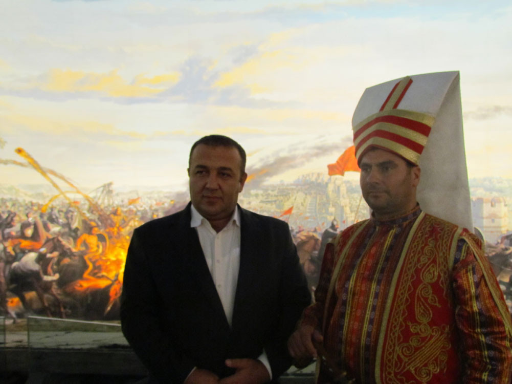 Mr. Aytmatov and Mr. Arslanbek Sultanbekov visited the Topkapı Turkish World Galeri - 43. Resim