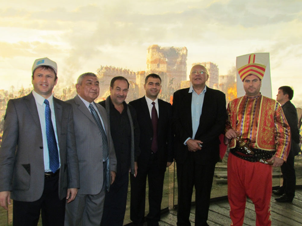 Mr. Aytmatov and Mr. Arslanbek Sultanbekov visited the Topkapı Turkish World Galeri - 35. Resim