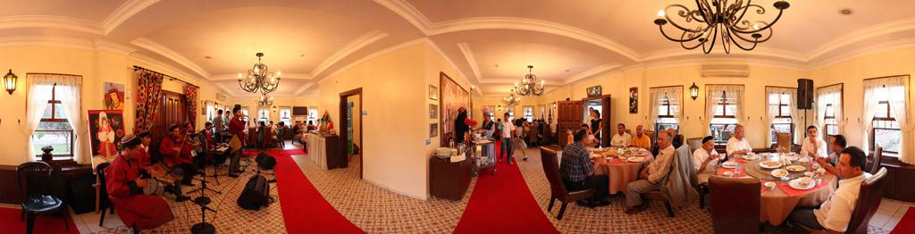 Türk Dünyası Zinnet Restoranı Galeri - 1.Resim