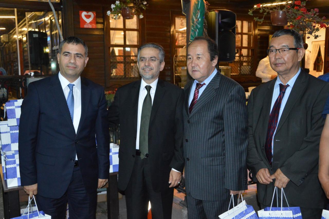 Türk Dünyası Temsilcileri Kültür AŞ İftarında Buluştu Galeri - 16. Resim