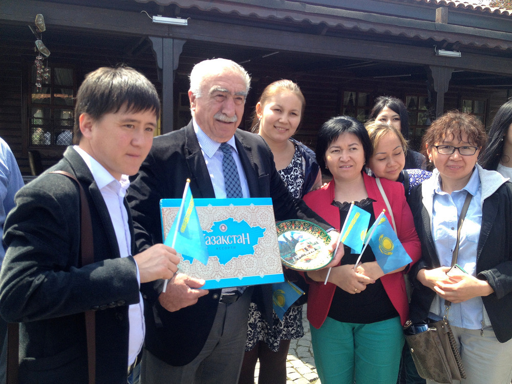 Visit from Kazakh students to Topkapı Turkish World Cultural Site Galeri - 10. Resim