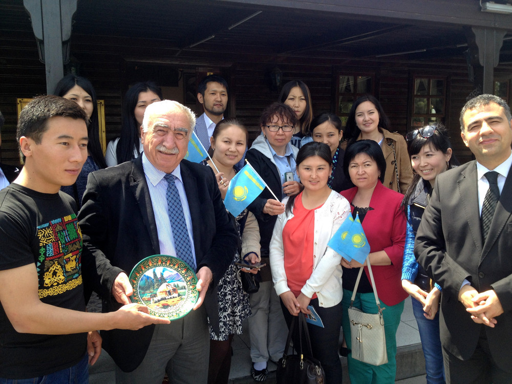 Visit from Kazakh students to Topkapı Turkish World Cultural Site Galeri - 9. Resim