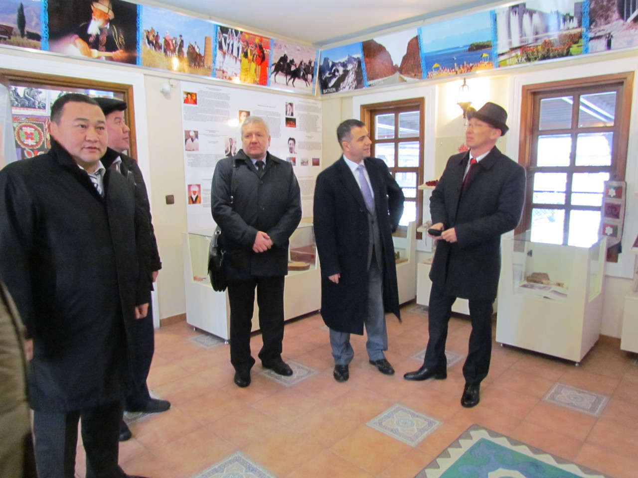 Visit from the Deputy Minister Chakiev to Culture Co. Galeri - 12. Resim
