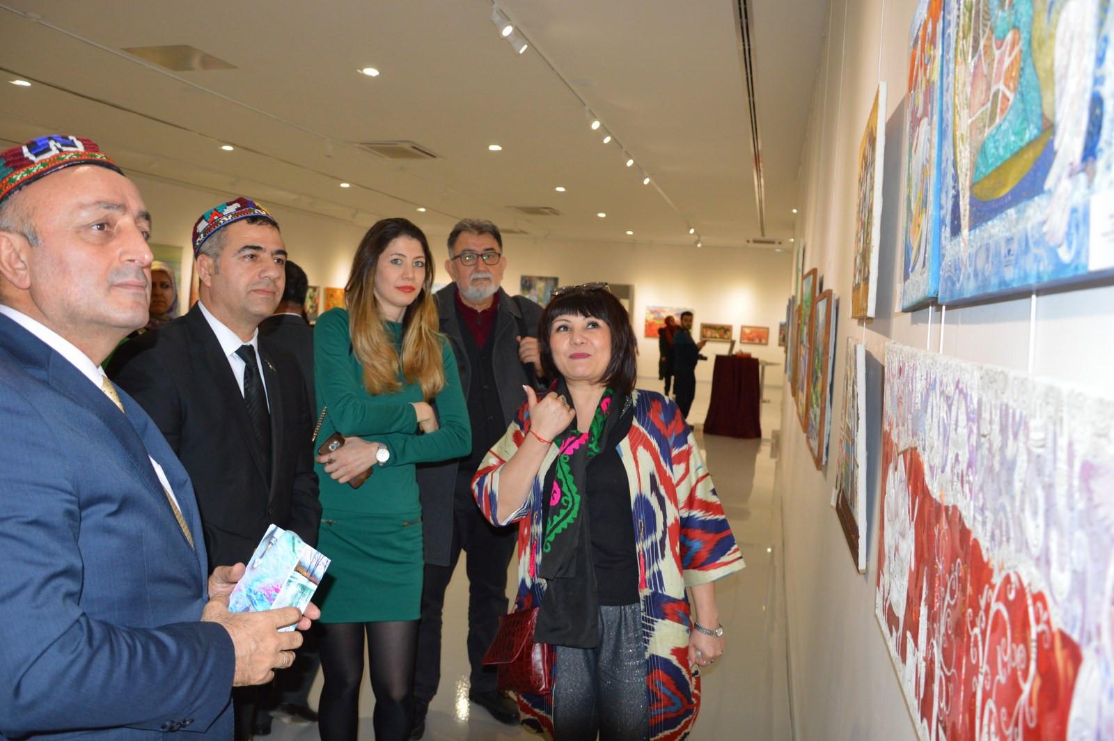 Türk Dünyasından Kadın Sanatçılar İstanbul'da Buluştu Galeri - 6. Resim