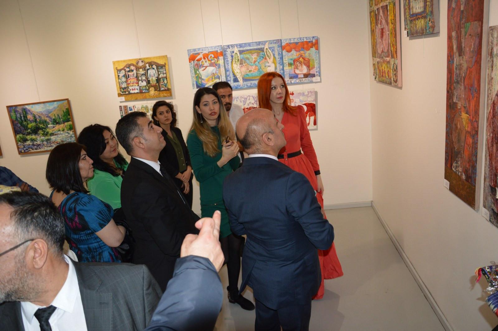 Türk Dünyasından Kadın Sanatçılar İstanbul'da Buluştu Galeri - 10. Resim
