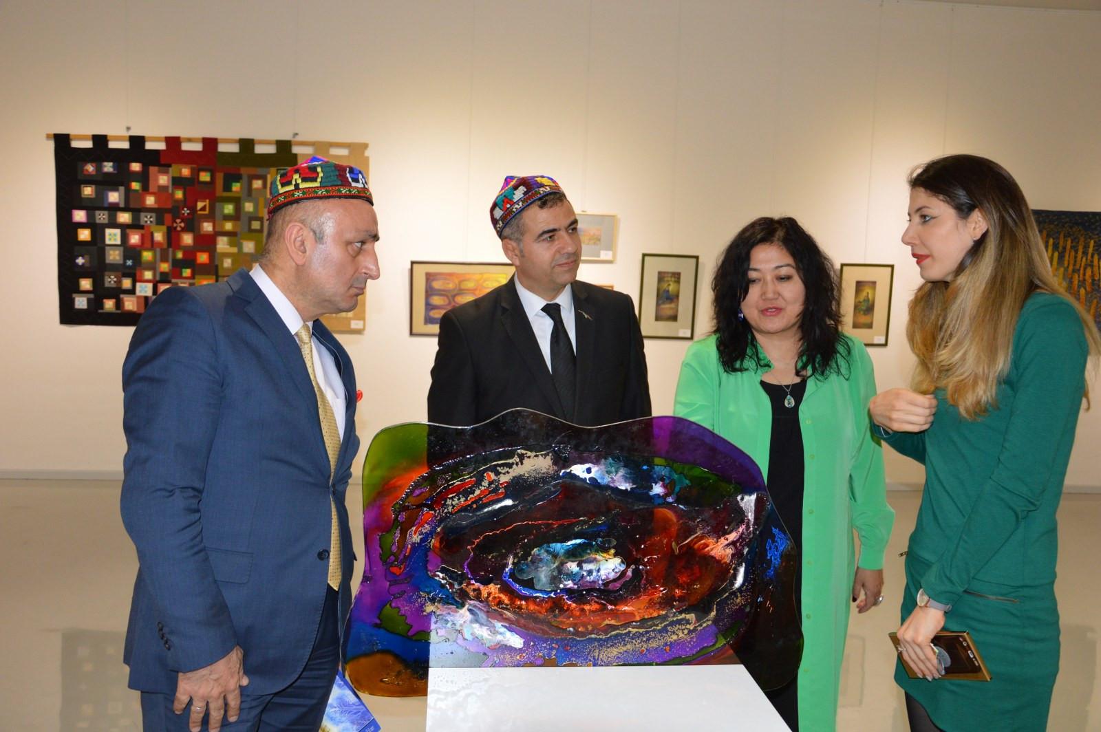 Türk Dünyasından Kadın Sanatçılar İstanbul'da Buluştu Galeri - 11. Resim