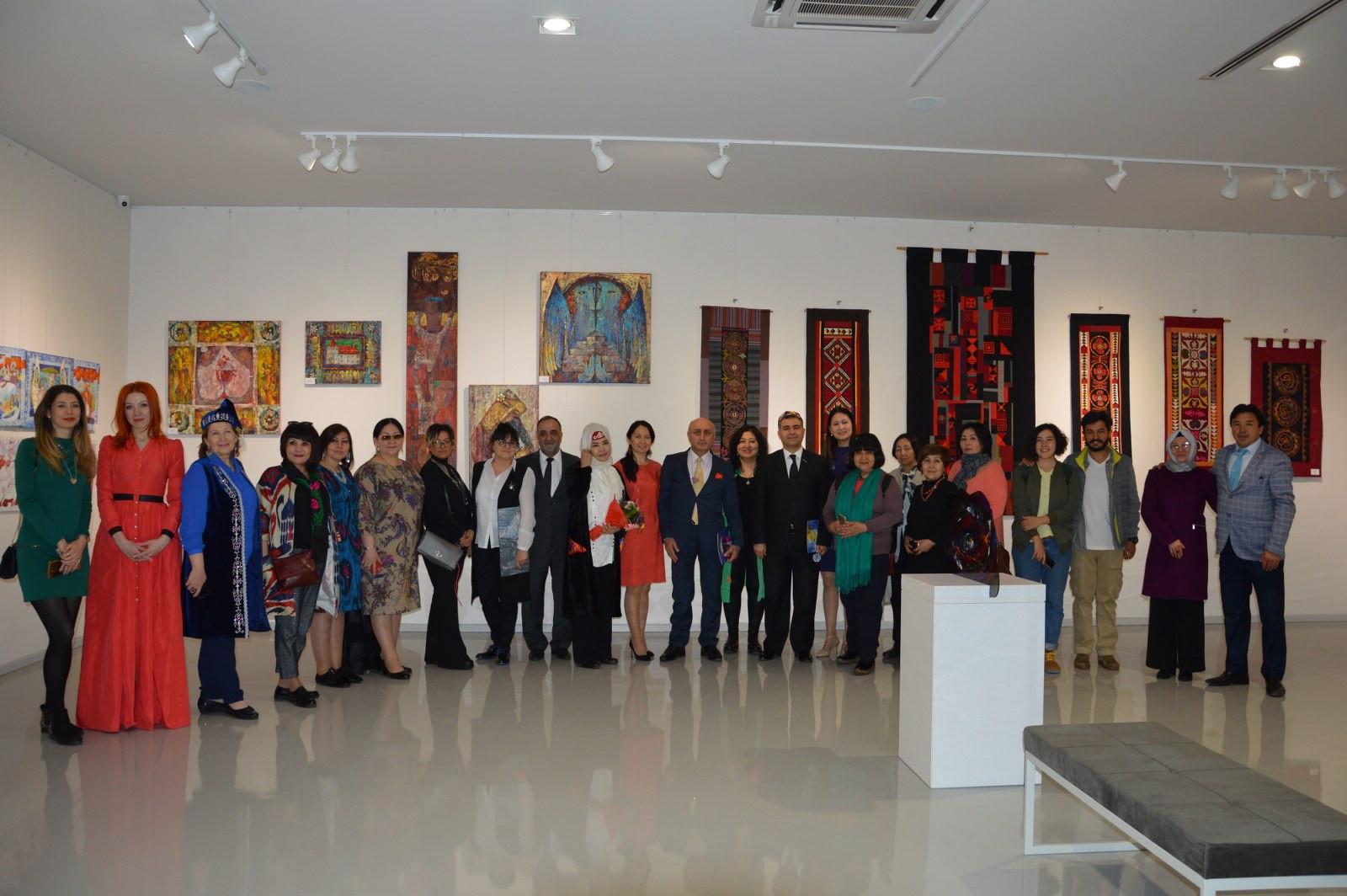 Türk Dünyasından Kadın Sanatçılar İstanbul'da Buluştu Galeri - 15. Resim