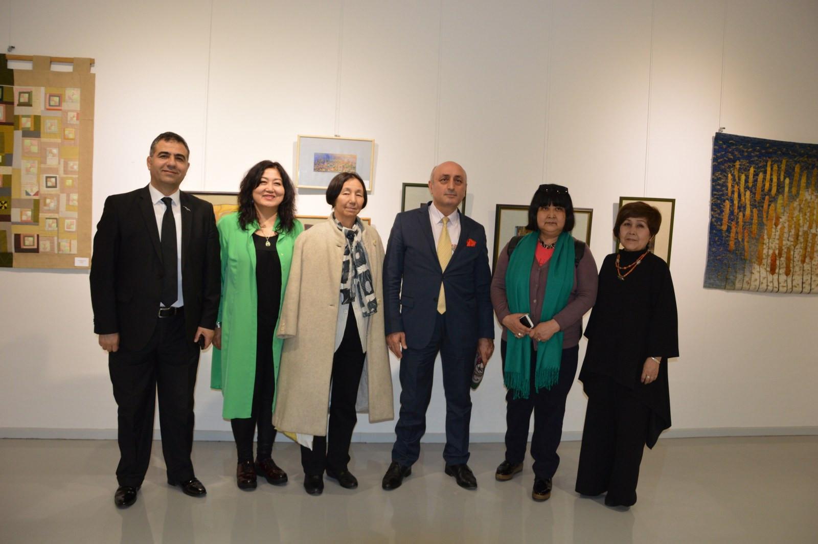 Türk Dünyasından Kadın Sanatçılar İstanbul'da Buluştu Galeri - 16. Resim