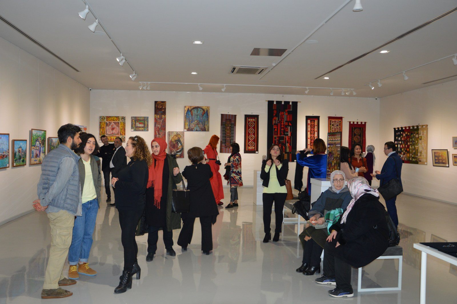 Türk Dünyasından Kadın Sanatçılar İstanbul'da Buluştu Galeri - 18. Resim