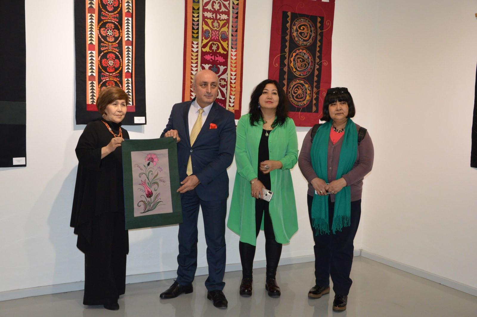 Türk Dünyasından Kadın Sanatçılar İstanbul'da Buluştu Galeri - 23. Resim