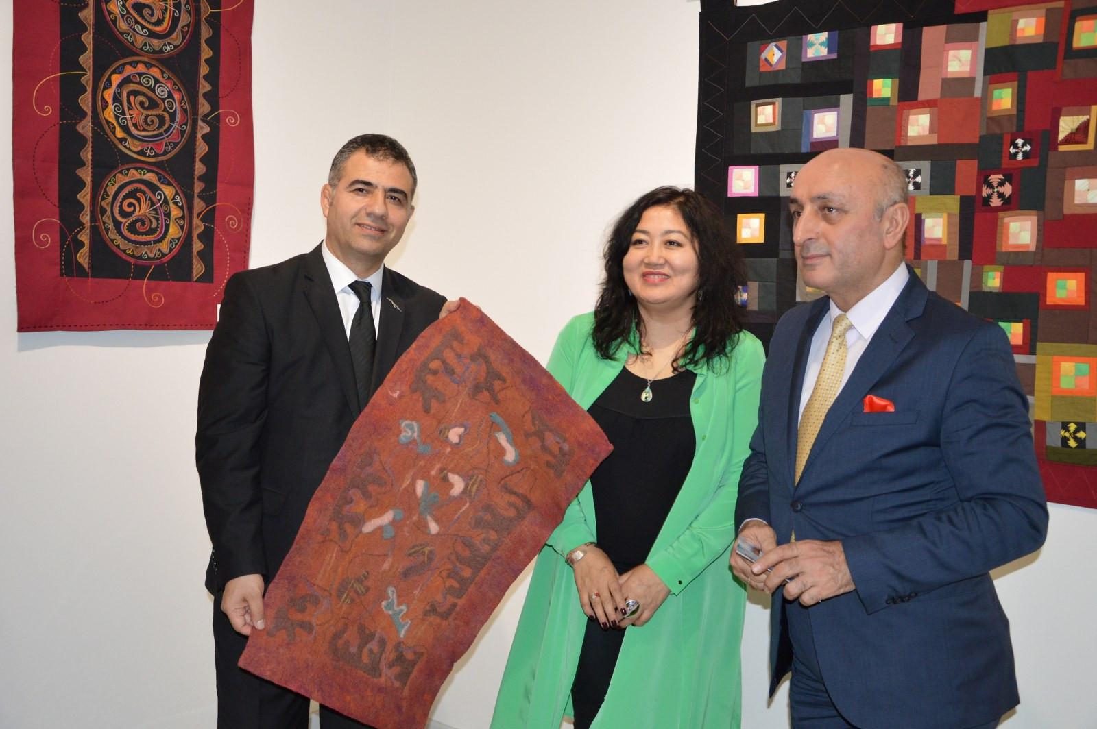 Türk Dünyasından Kadın Sanatçılar İstanbul'da Buluştu Galeri - 22. Resim