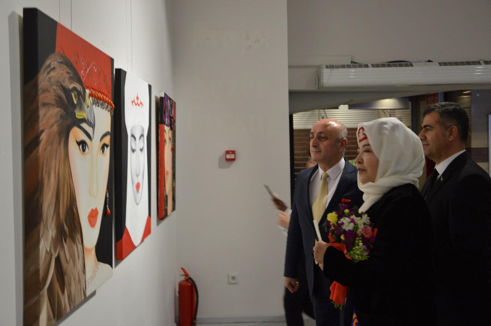 Türk Dünyasından Kadın Sanatçılar İstanbul'da Buluştu Galeri - 5. Resim